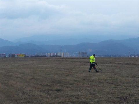 2012-03-28-09-58-56asanare-si-curatare-munitie-neeplodata-danavi